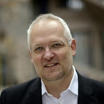 Dr. Christian Dehlinger Portrait 1